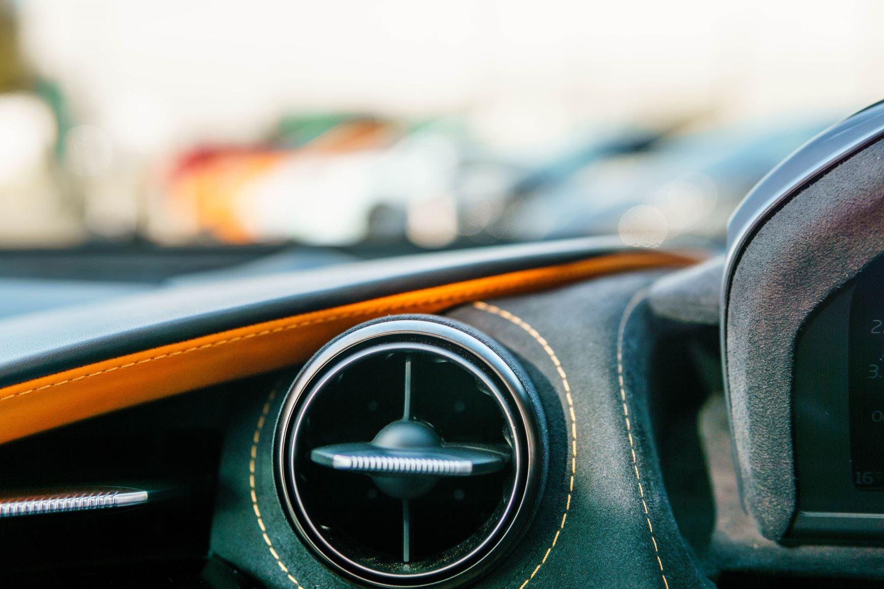 McLaren 720S V8 2dr SSG PERFORMANCE image 45